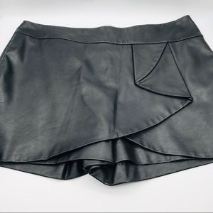 INC International Concepts Faux Leather Skort 14